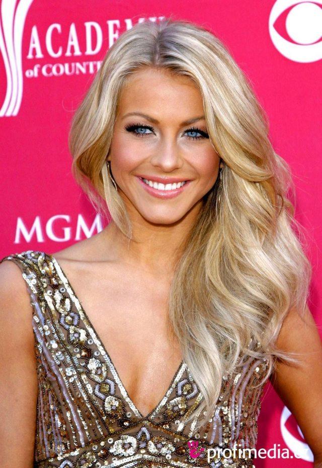 Sliver-Wavy-Hair Elegant Hairstyles for Women