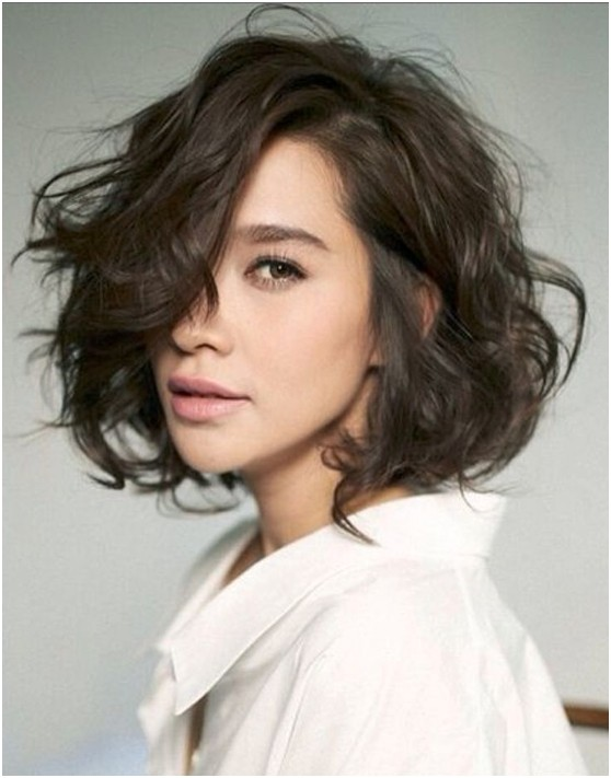 A-Line-Curly-Bob Stylish and Glamorous Curly Bob Hairstyle for Women