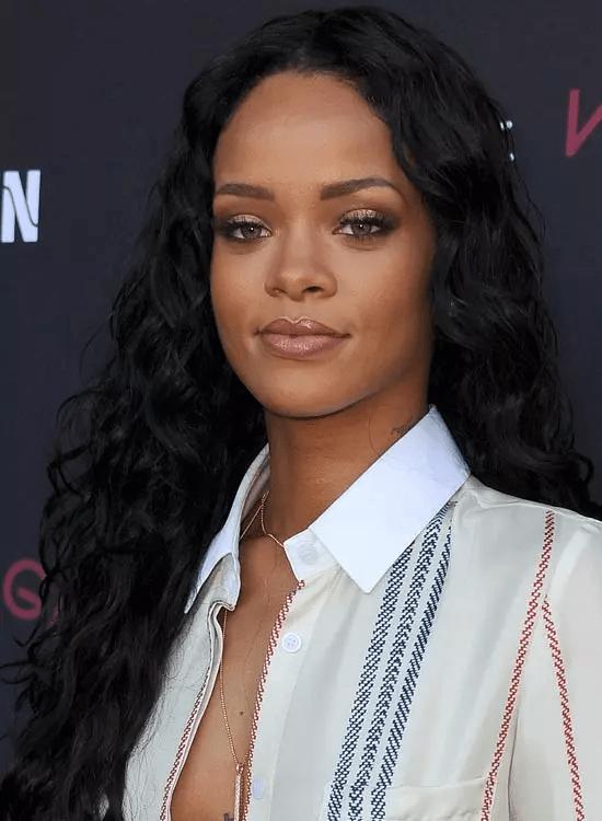 Beachy-Black-Waves Best Rihanna Hairstyles