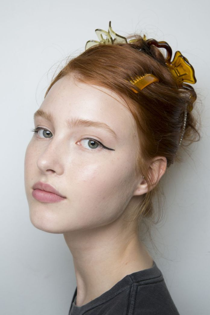 Bright-Brown-Hair-Styled-with-Various-Hair-Accessories Christmas Party Hairstyles to Enhance Your Look