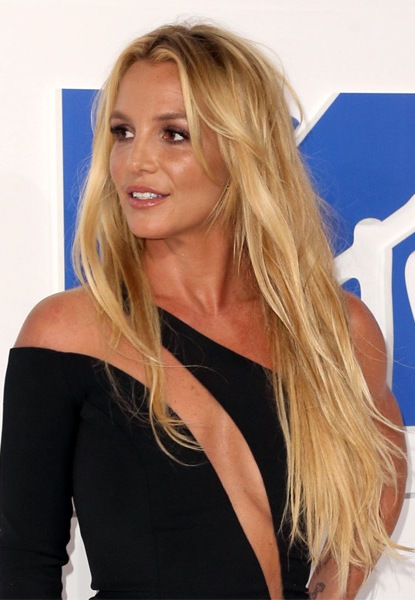 Britney-Spears-Long-Straight-Hairstyle Most Beautiful Celebrity Long Haircuts To Adore
