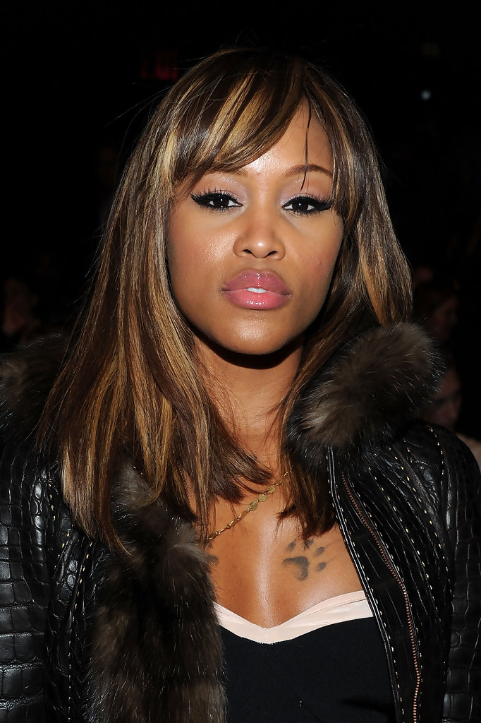 Cut-edges-hairstyle-with-bangs Most Attractive Fall Hairstyles to Try This Year