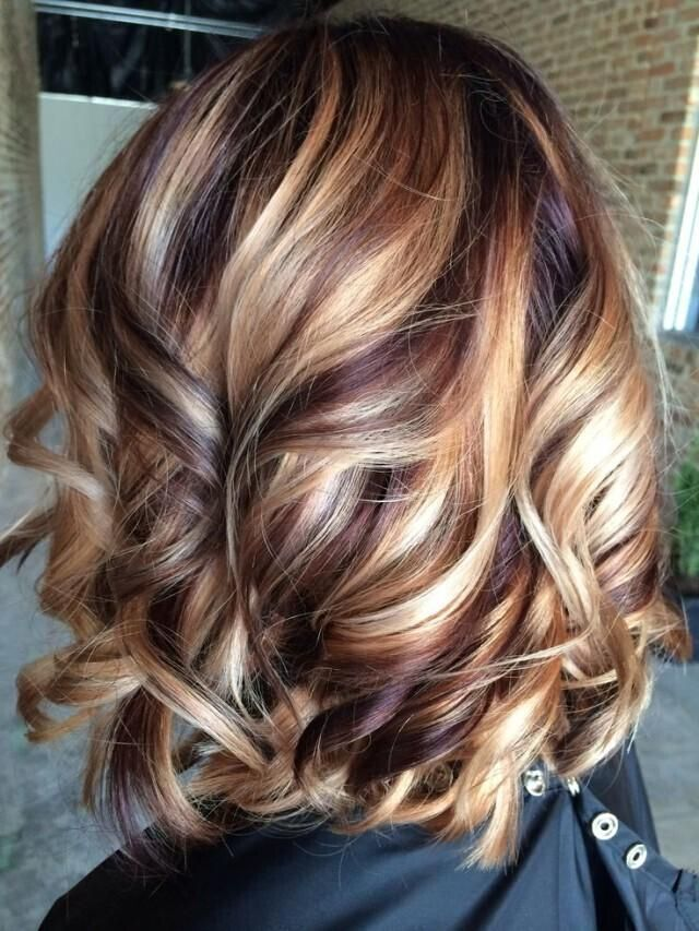 Dense-medium-sized-hair-to-suit-your-style Most Attractive Fall Hairstyles to Try This Year