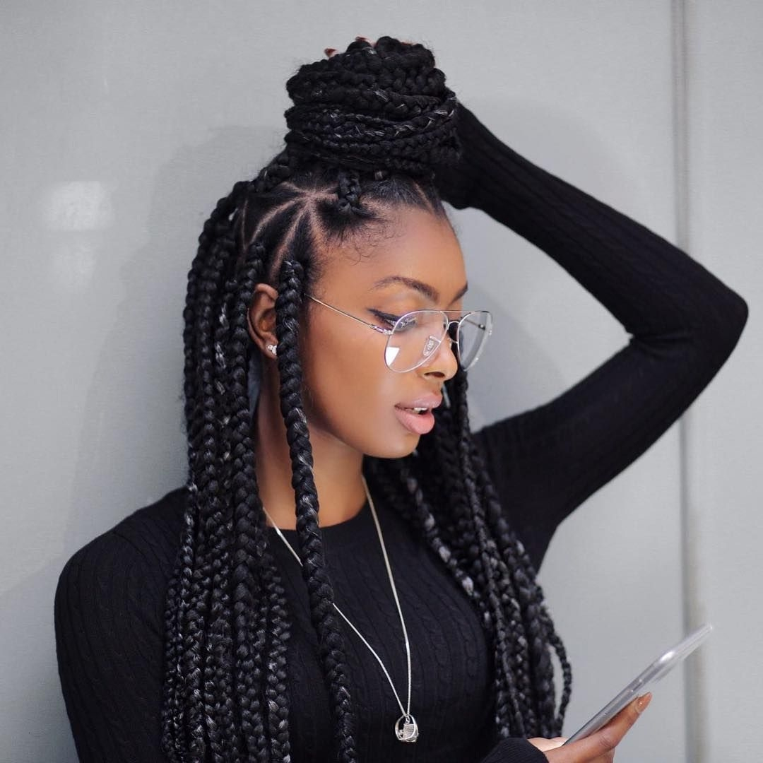 Dramatic-Knot-Poetic-Justice-Braid Poetic Justice Braids to Flaunt Your Fabulous Look