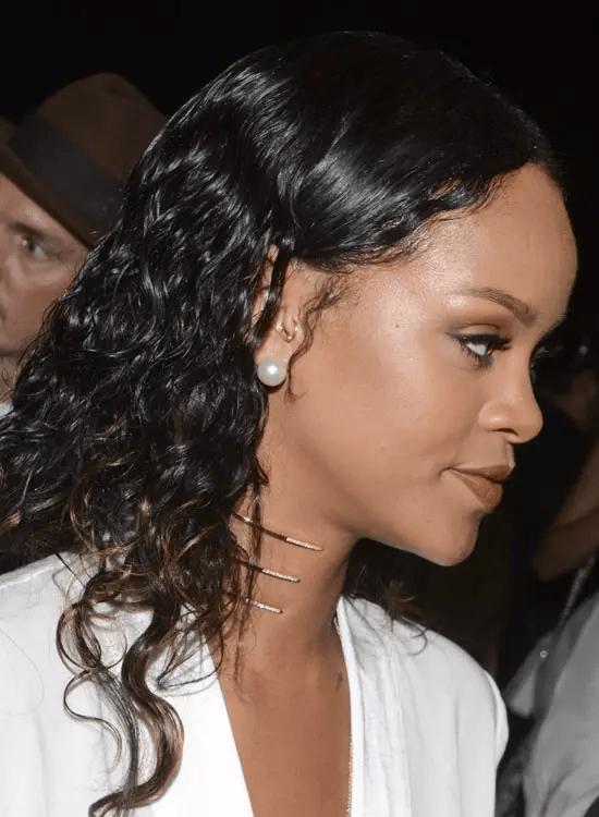Frizzy-Curls Best Rihanna Hairstyles