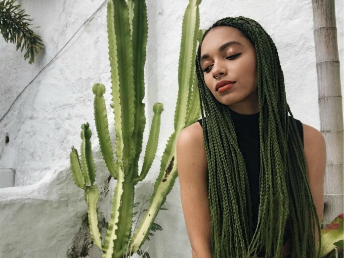 Green-Knotless-Box-Braid Cool and Trendy Knotless Box Braids Styles