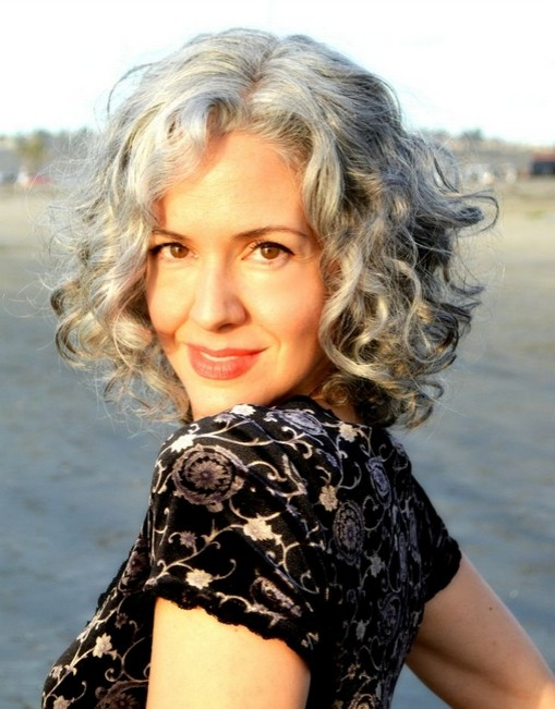 Grey-Curly-Bob-Haircut Stylish and Glamorous Curly Bob Hairstyle for Women