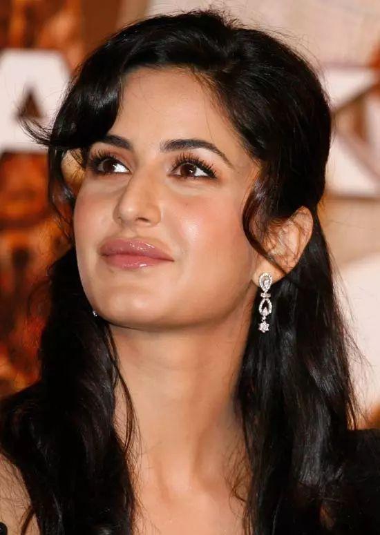 Katrina-Kaif Top Indian Actresses With Stunning Long Hair