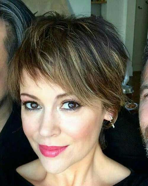Layered-Short-Haircut-for-Thin-Hair Super Cute Short Hairstyles for Fine Hair