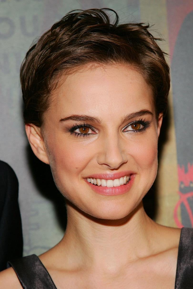 Layered-Short-Pixie-Cut Celebrity Short Hairstyles for Glamorous Look