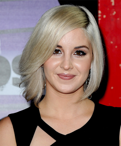 Maggie-Rose-Medium-Straight-Bob-Hairstyle Hottest And Trendy Bob Haircuts For Stylish Look