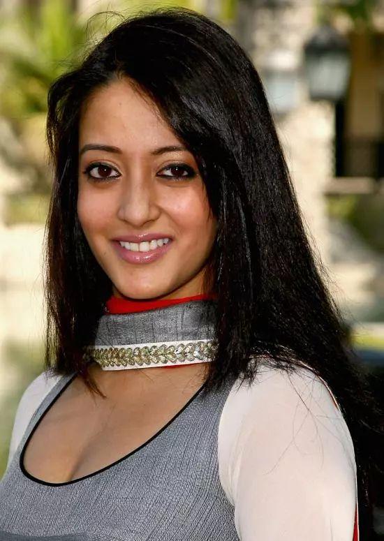 Raima-Sen Top Indian Actresses With Stunning Long Hair