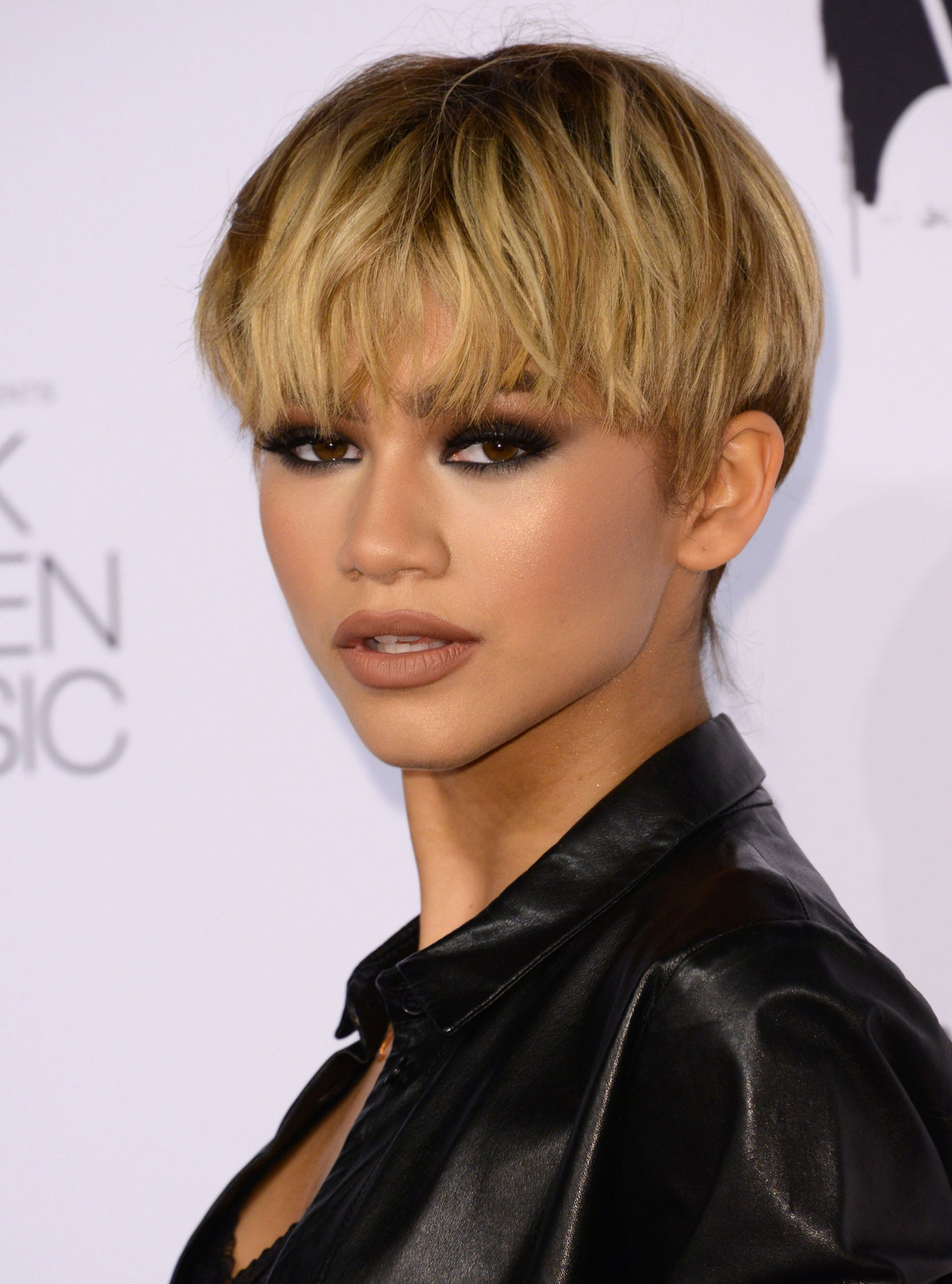 Short-Bob-with-Long-Bangs Celebrity Short Hairstyles for Glamorous Look