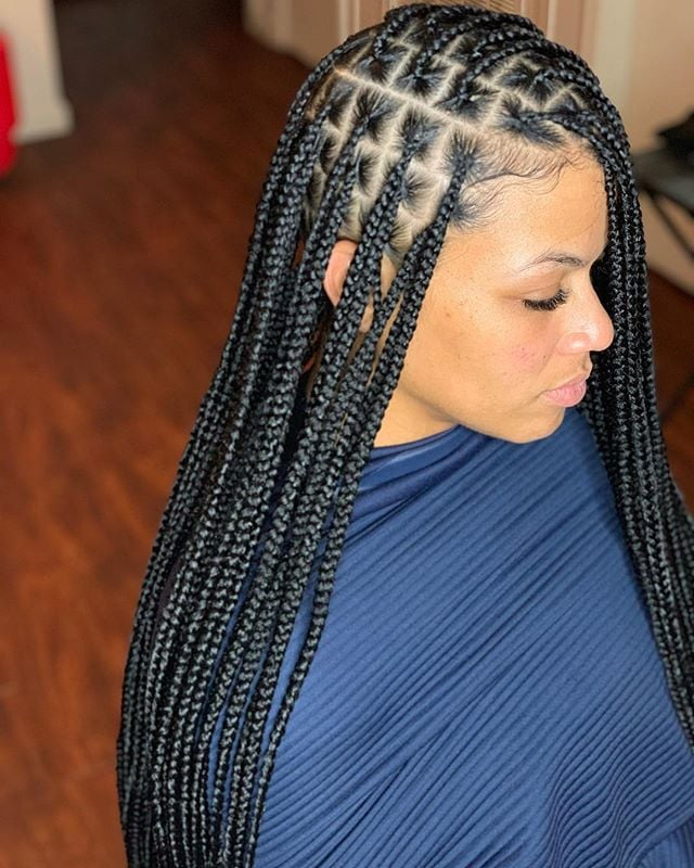 Side-Zonal-Braid-Hairstyle Cool and Trendy Knotless Box Braids Styles