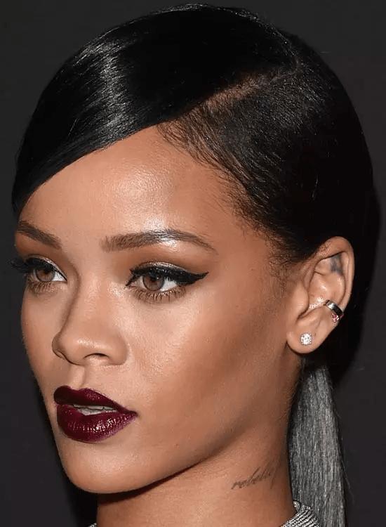 Sleek-Side-Swept Best Rihanna Hairstyles