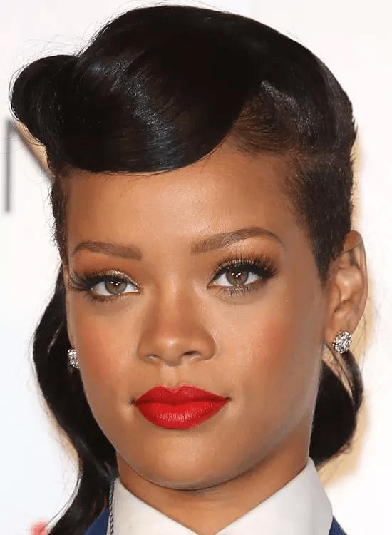 Textured-Aura Best Rihanna Hairstyles