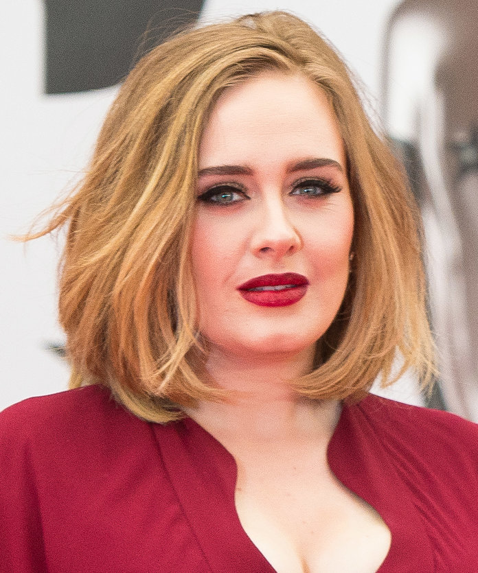 Thick-short-hair-with-bob-hairstyle Most Attractive Fall Hairstyles to Try This Year