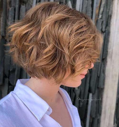 Wavy-Short-Layered-Bob-Style Latest Pictures of Short Layered Haircuts