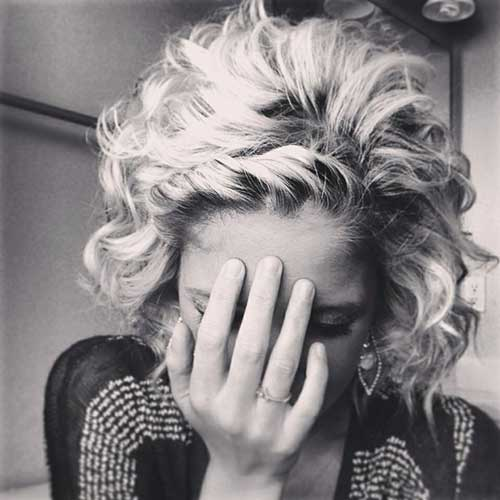 Blonde-Curly-Bob-Style Best Bob Cuts for Curly Hair