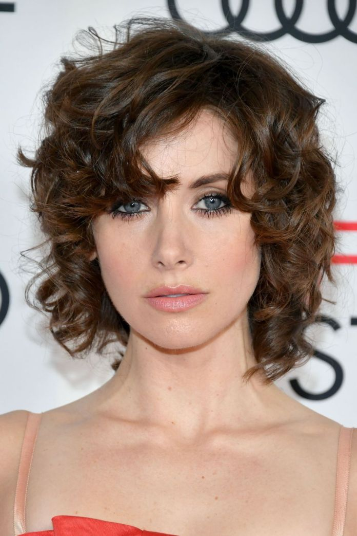 Blunt-with-Curls Hot and Happening Girls Hairstyles for Party