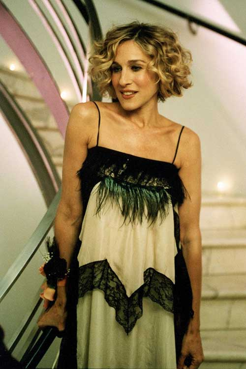 Carrie-Bradshaw's-Blonde-Curly-Bob-Hair Best Bob Cuts for Curly Hair