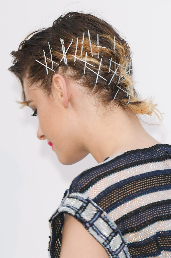Crisscross-Bobby-Pins-Hairstyle Most Attractive Hairstyles with Hair Pins