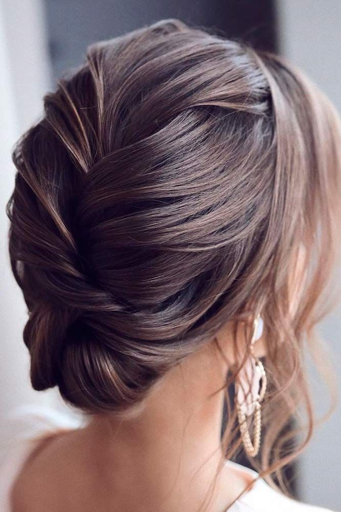 Loosely-Pulled-in-Hair Cute Homecoming Hairstyles for Astonishing Look