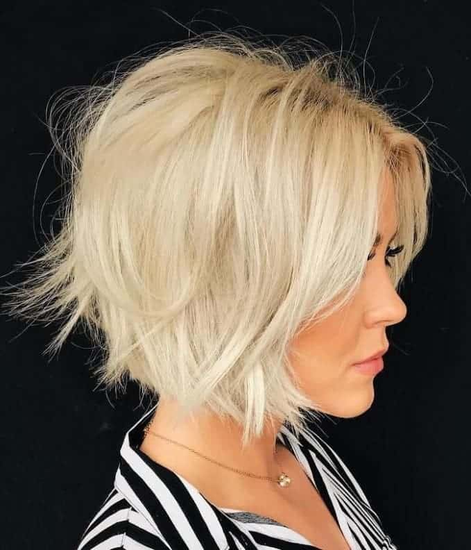 Messy-Short-Blunt-Bob Exotic Messy Bob Hairstyles That Women Love