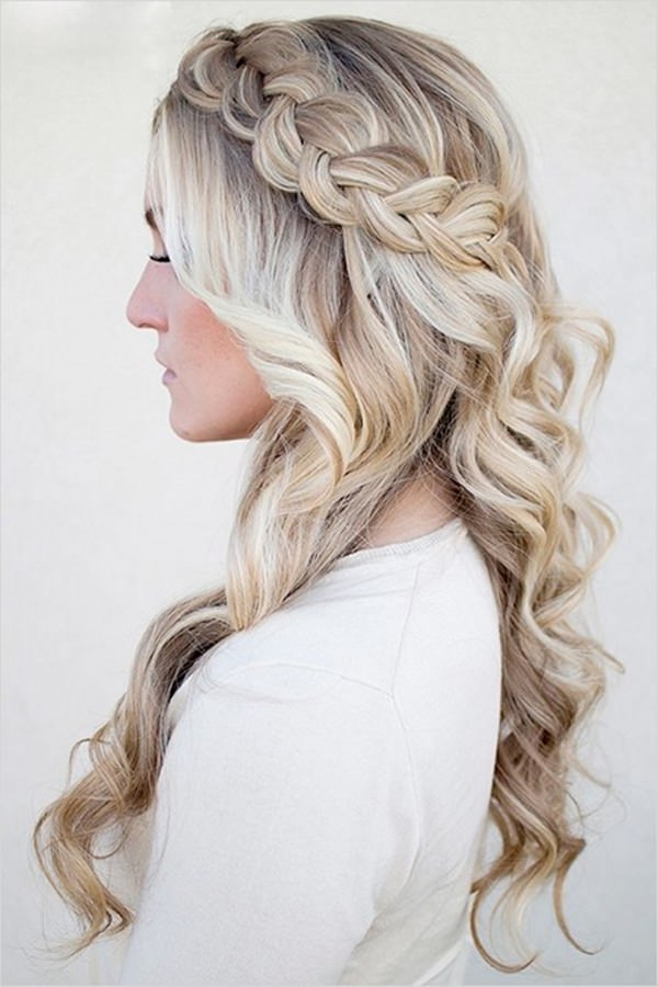 Side-Braid-Hairstyle Cute Homecoming Hairstyles for Astonishing Look