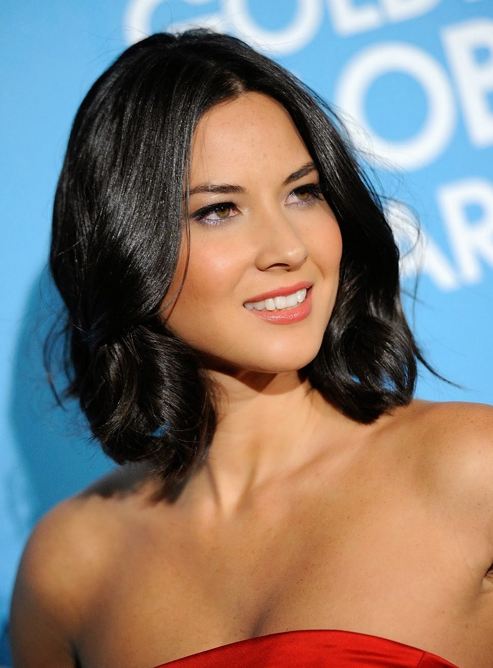 Slick-Looking-Short-and-Wavy-Hair Most Ravishing Hairstyles for Double Chin