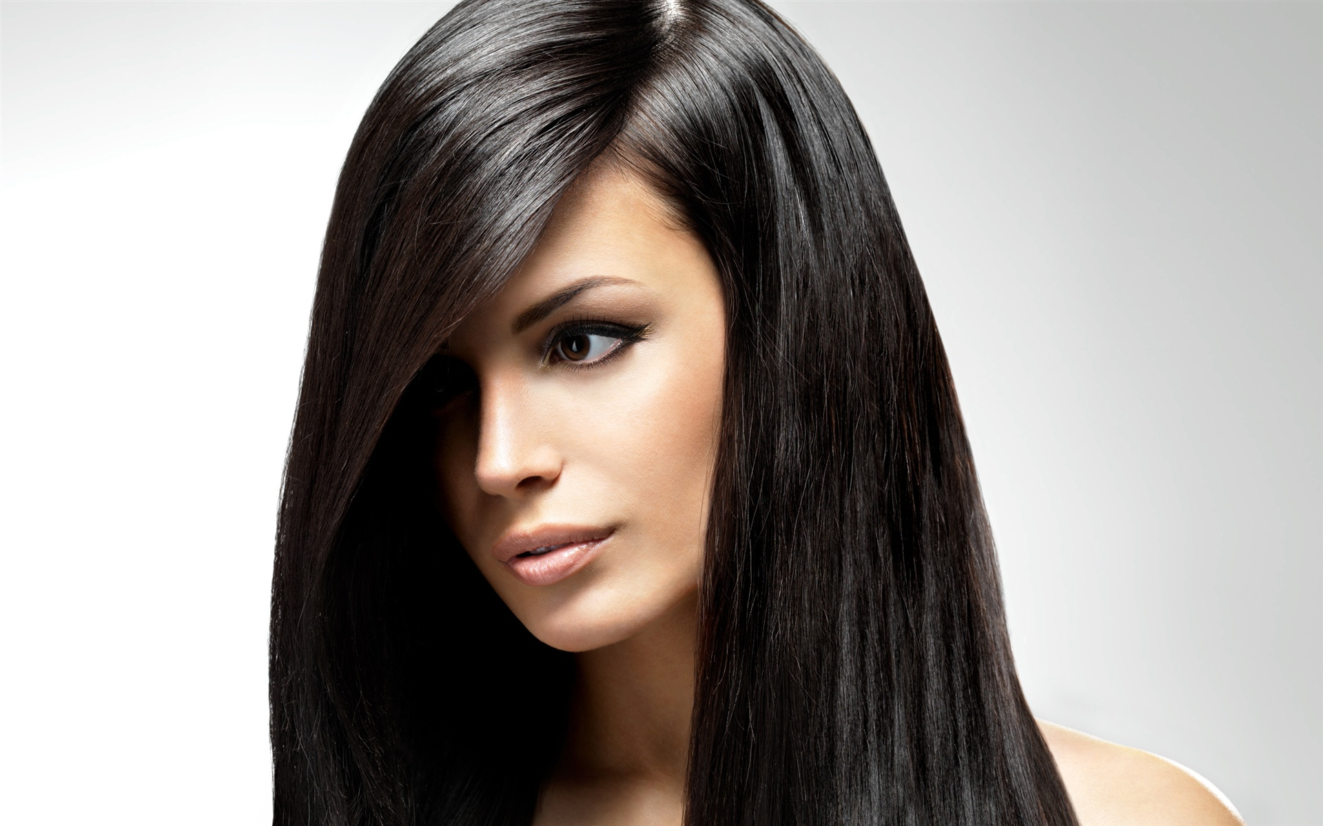Trendy-Long-Straight-Hair Most Glamorous Long Straight Hairstyles for Women