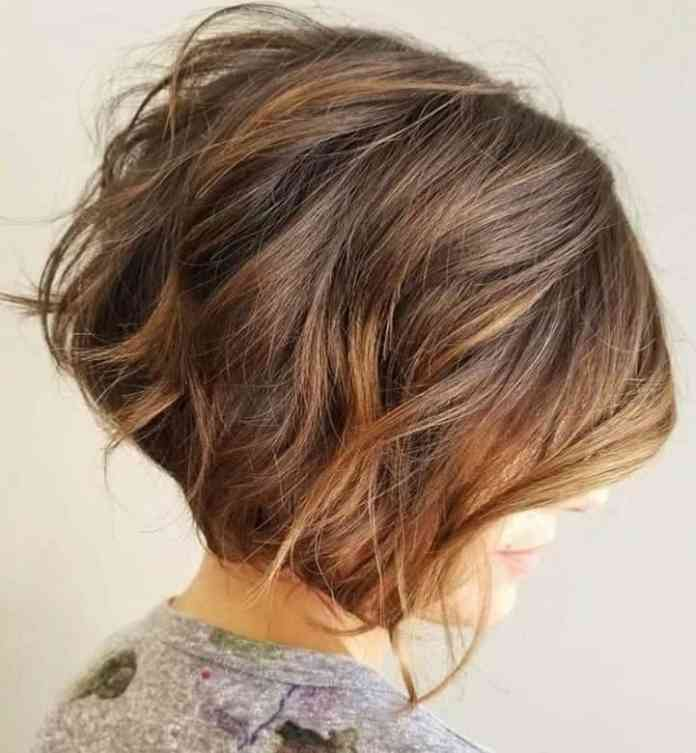 Two-Toned-Messy-Bob-with-Tousled-Hair Exotic Messy Bob Hairstyles That Women Love
