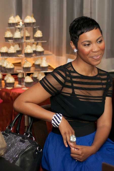 Very-Cool-and-Charming-Pixie-Cut-with-Cute-Little-Bangs Short Hairstyles for Black Women 2020