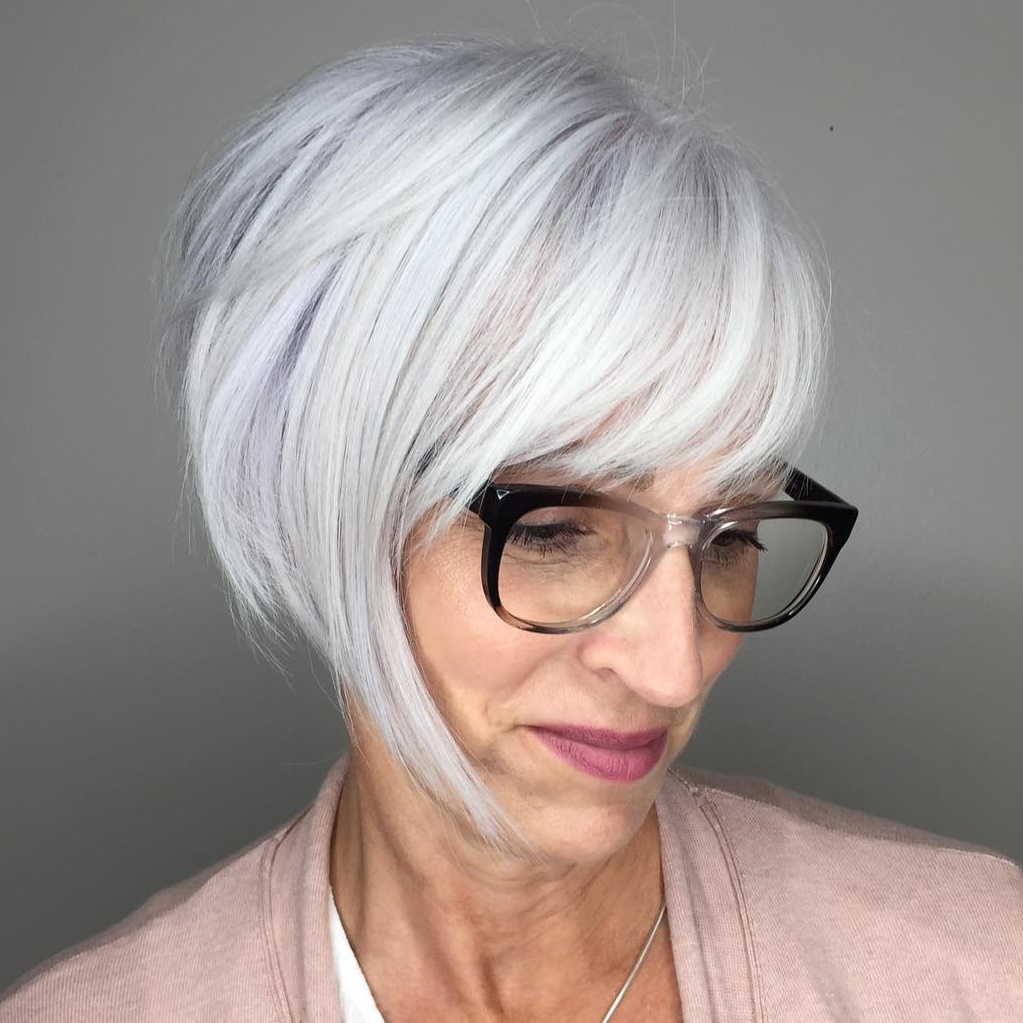Acute-Crest Glamorous Grey Hairstyles for Older Women