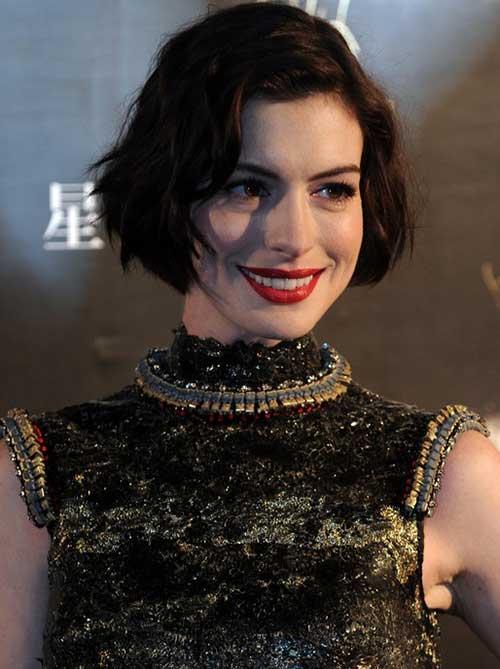 Anne-Hathaway Best Celebrity Bob Hairstyles