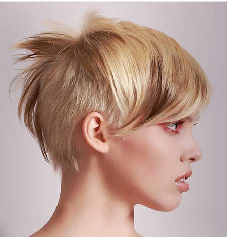 Asymmetrical-Blonde-and-Brown-Highlights-Look Short hair color ideas