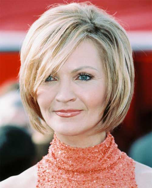 Blonde-Short-Hair-Style-for-Over-50 Hottest Short Layered Hairstyles For Women Over 50