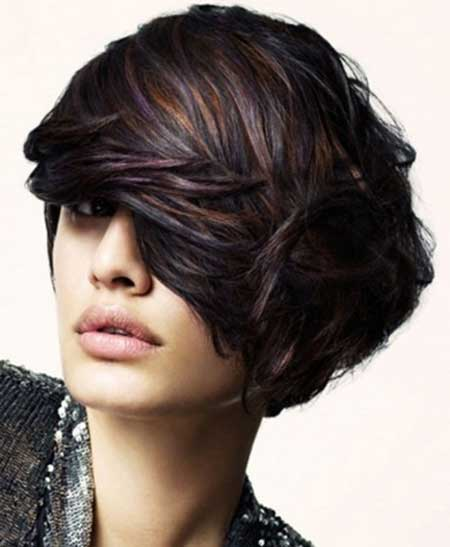 Dark-Short-Look-and-Golden-Highlights Short hair color ideas