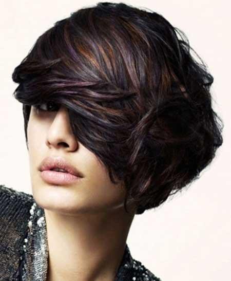 Dark-Short-Look-and-Golden-Highlights Short hair color ideas
