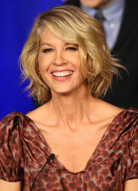 Flipped-Out-Wavy-Bob Wavy Hairstyles for Women Over 50 – Look Young And Beautiful
