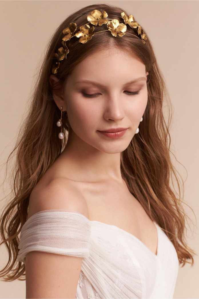 Golden-Floral-Tiara Hairstyles with Tiara for Glam and Fab Look