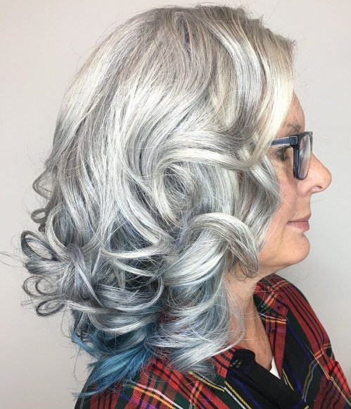 Grey-Lowlights-with-a-Bold-Pop-of-Color 12 Stylish shoulder-length hairstyles for women Over 50