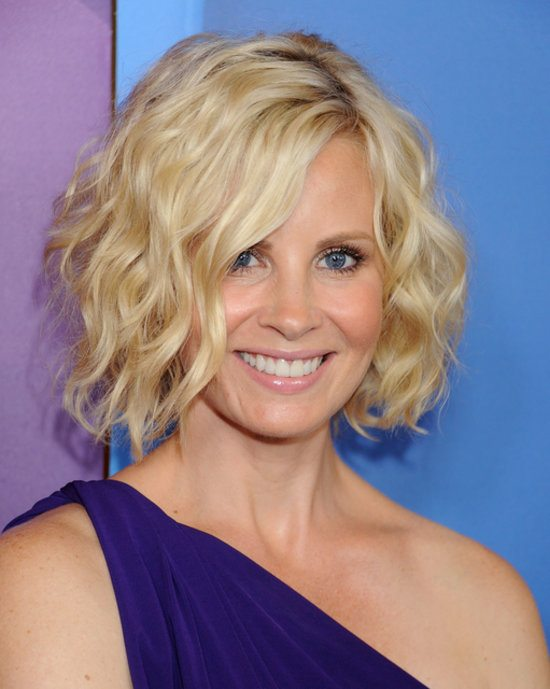 Layered-Bob-with-Waves Best Hairstyles For Women Over 50 With Fine Hair