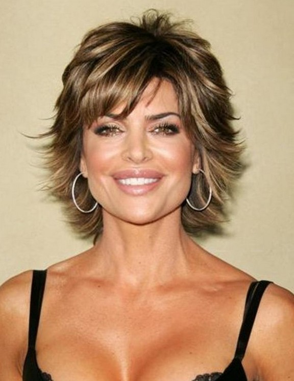 Layered-Short-Hair-with-Highlights Easy Hairstyles for Women Over 50