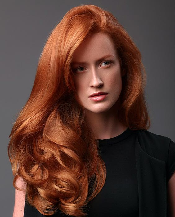 Long-Wavy-Hair Redhead Hairstyles for Sultry and Sassy Look