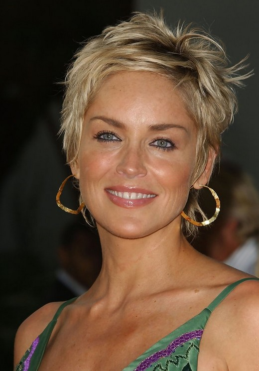 Messy-Blonde-Layered-Short-Hair Easy Hairstyles for Women Over 50