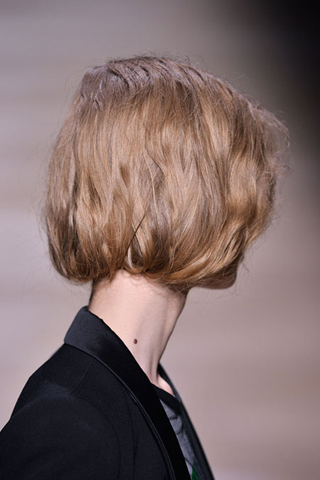 Messy-and-Wavy-Short-Bob-Hairstyle Short Bob Hairstyles for Ladies
