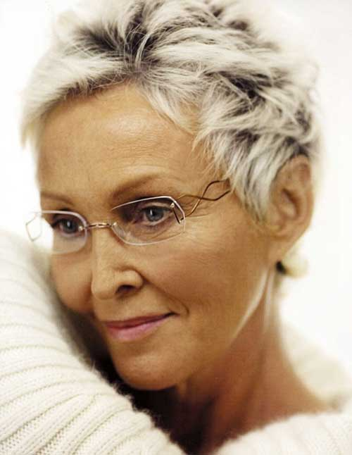 Short-Boyish-and-Messy-Hairdo-for-Older-Women Short Hairstyles for Older Women