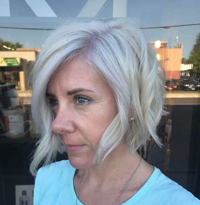 Side-Part-with-Waves Gorgeous Hairstyles and Haircuts for Women Over 40