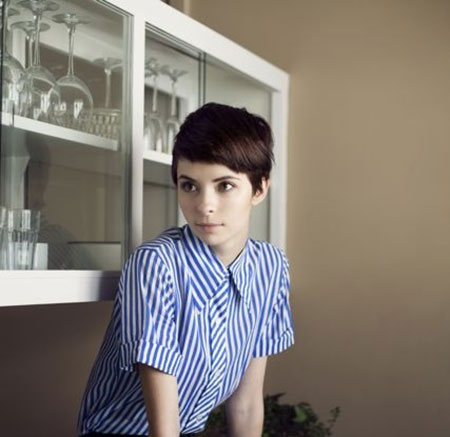 Side-Swept-Super-Short-Bob-Hairstyle Short Cute Hairstyles